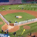【MLBミステリー】フェンウェイ・パークのバッターボックス横の2つのサークルは何?